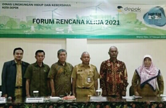 Forum Renja DLHK 2021 Mencanangkan Hari Peduli Sampah Nasional 21 Februari di Alun Alun Kota Depok